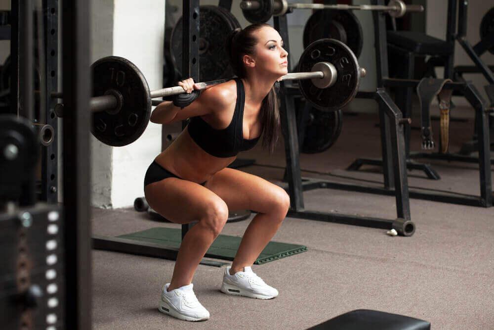 Spiermassa opbouwen door gewicht te heffen