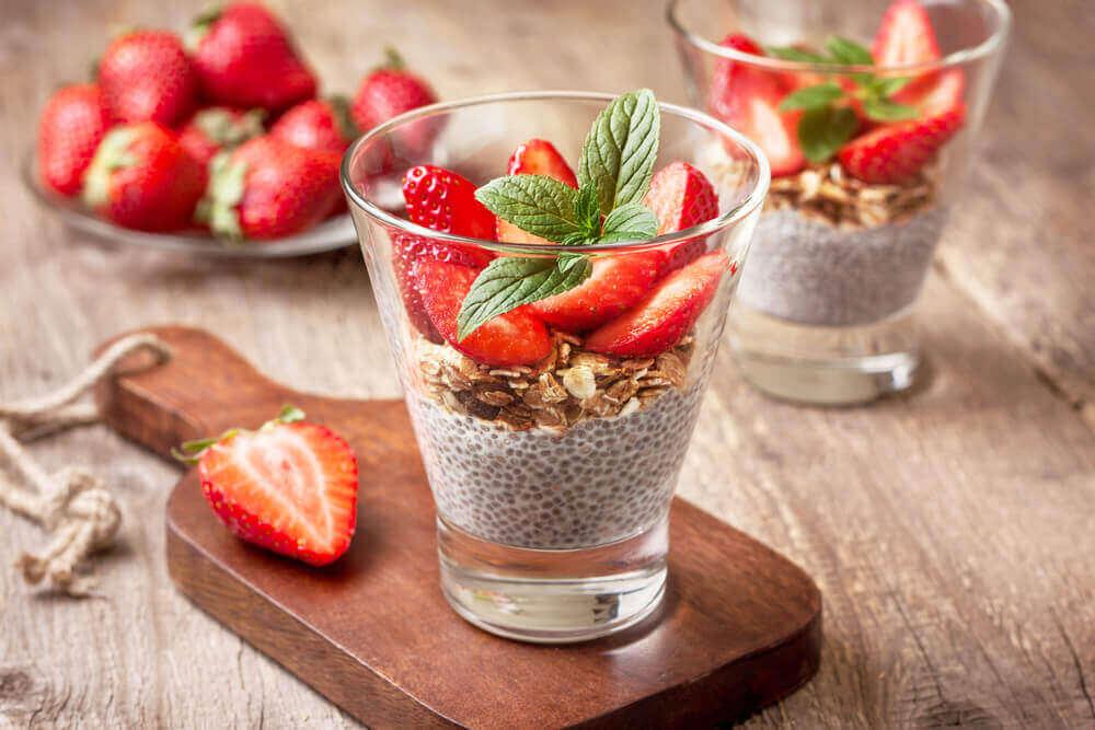 Chia-mousse met aardbeien