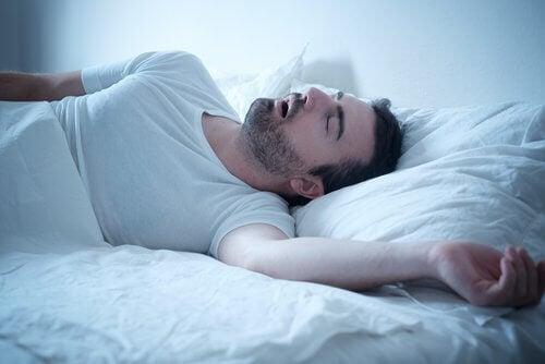 Snurken, een geluid dat het lichaam maakt