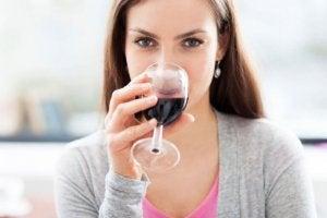 Energielevels verhogen door rode wijn te drinken