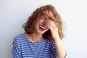Lachen om het beheersen van angst te leren