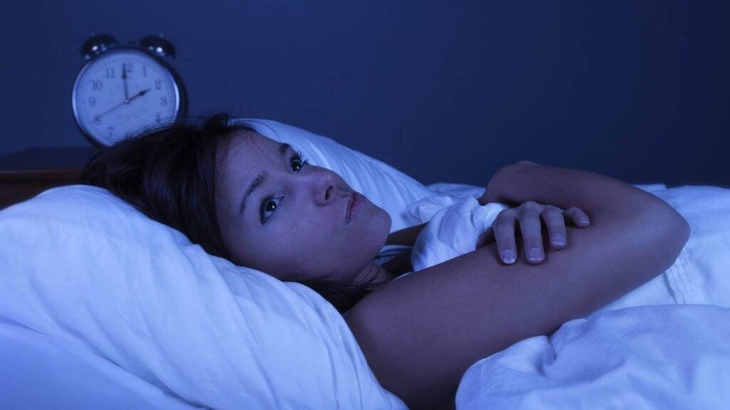 Opstaan als voorbereiding om weer in slaap te vallen