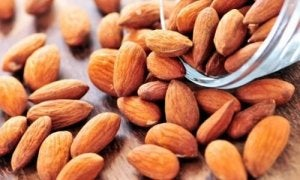 Vier amandelen per dag zijn gunstig voor je huid