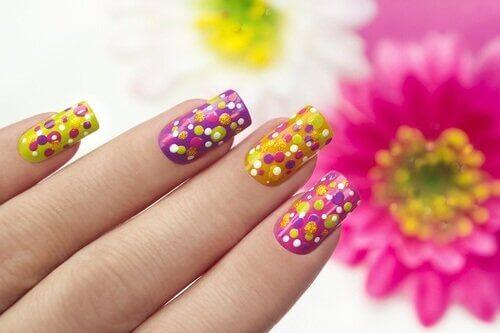 Vloeibare latex om je nagels te versieren