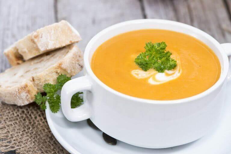 Met welke groenten maak je de gezondste groentesoep?