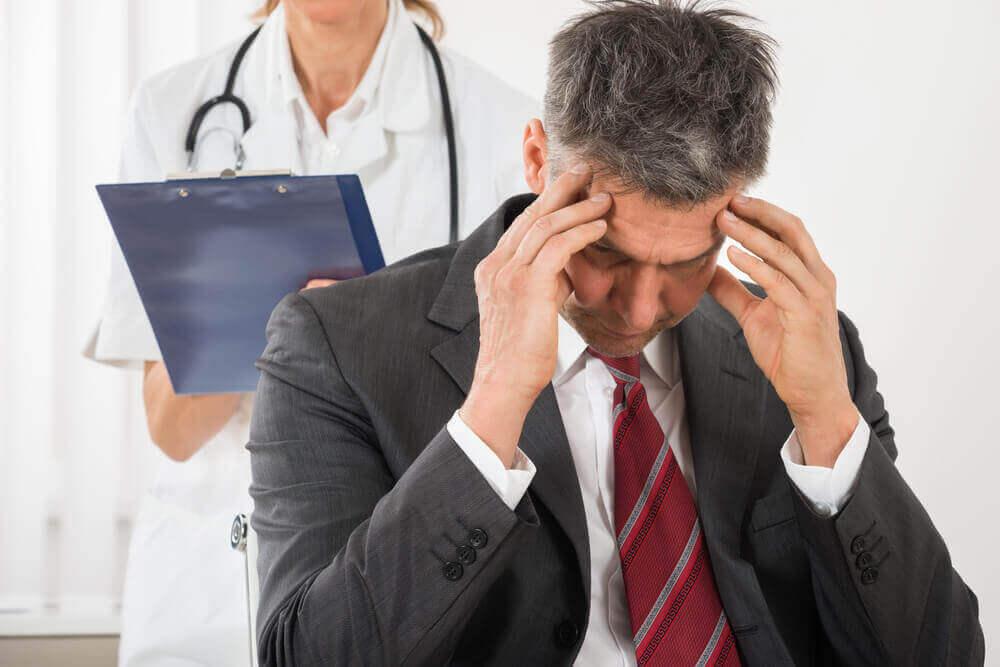 Veel voorkomende hoofdpijn zoals spanningshoofdpijn