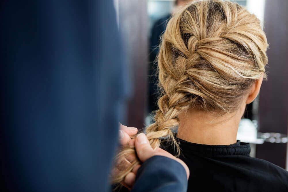 Ingevlochten haar is een van die prachtige gevlochten kapsesl
