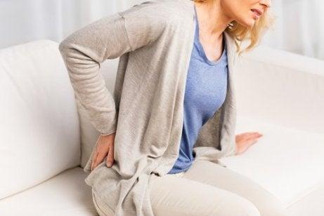 Vrouw met last van haar nieren