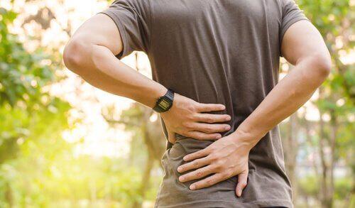 Pijn in je rug kan je dagelijkse routine belemmeren