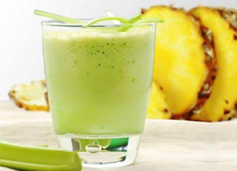Hoe maak je een smoothie met ananas en selderij?