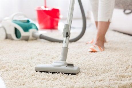 Giftige voorwerpen zoals tapijt