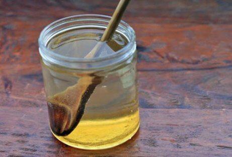Snellere verlichting van maagzweren met honing