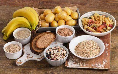 Het verlangen naar eten te verslaan met complexe koolhydraten