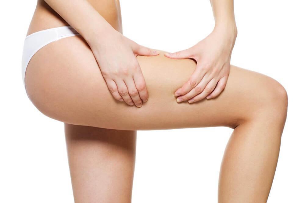 Hoe maak je een verstevigende olie voor je benen?
