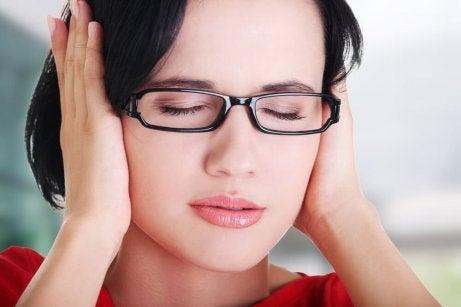 Wat te doen als je last hebt van oorsuizen?