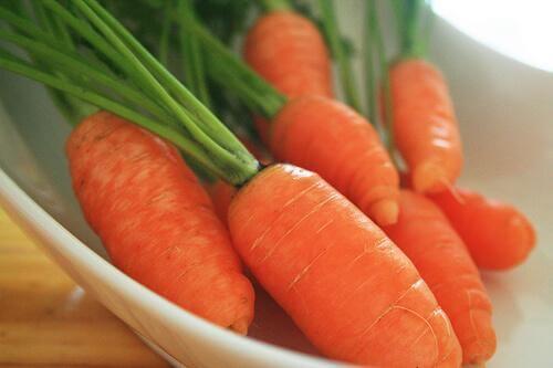 Makkelijke reinigende wortelsmoothies