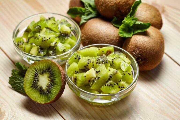 Havermout met kiwi is een van de aanbevolen ontbijtjes als je op dieet bent
