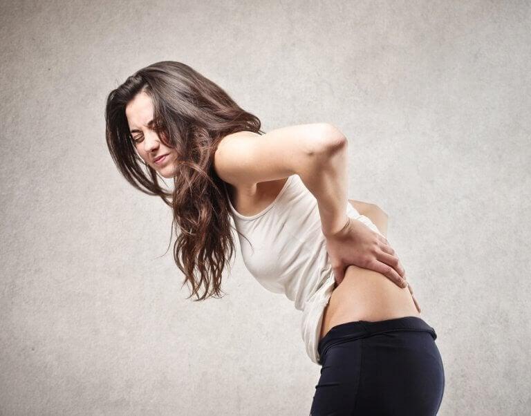 Vijf gezondheidsproblemen die rugpijn kunnen veroorzaken