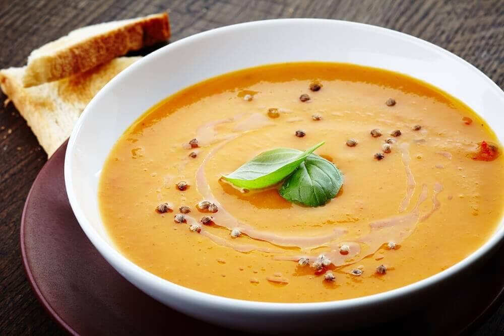 Soep is een van de Ideeën voor het avondeten als je op dieet bent