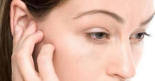 Water verwijderen uit je oren: 4 tips