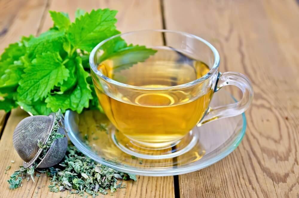 Kopje thee van citroenmelisse