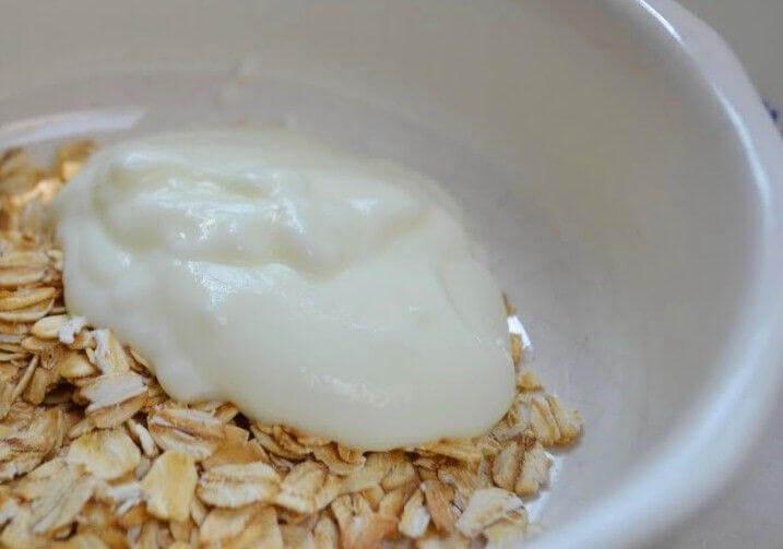 Schaaltje haver en yoghurt