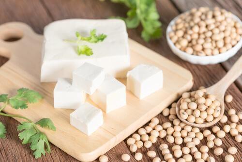 Tofu als gezond alternatief voor ongezonde voedingsmiddelen