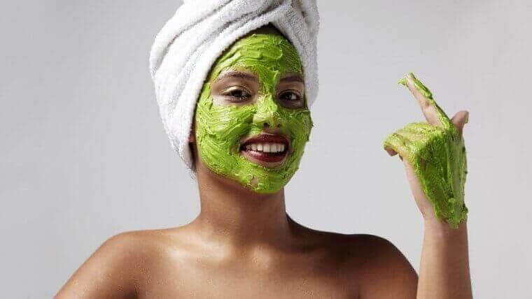 Bananen en avocado's zijn goed voor je huid