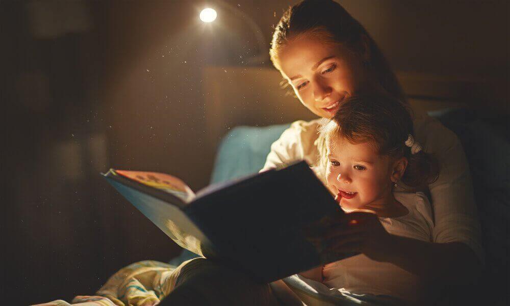 Op hun duim zuigen afleren door verhaaltjes voor te lezen