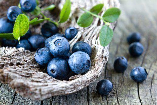 Blauwe bessen kunnen helpen met het afvallen