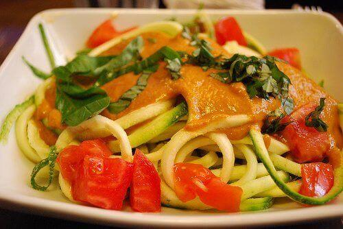Spaghetti met gestoomde groenten