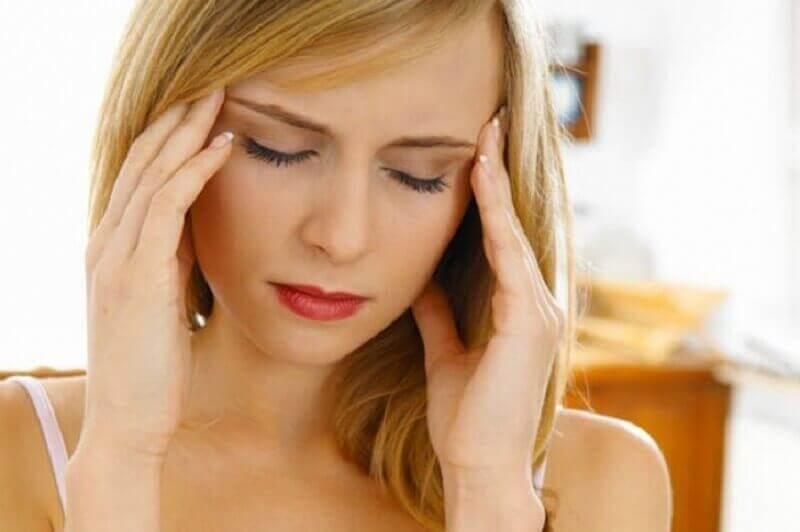 Hoofdpijn is een van de manieren waarop je lichaam laat weten dat er iets mis is