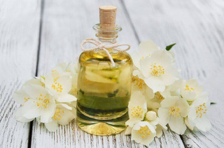 Voordelen van etherische oliën: jasmijn