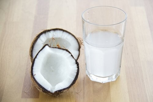 Hydratatie door middel van kokoswater