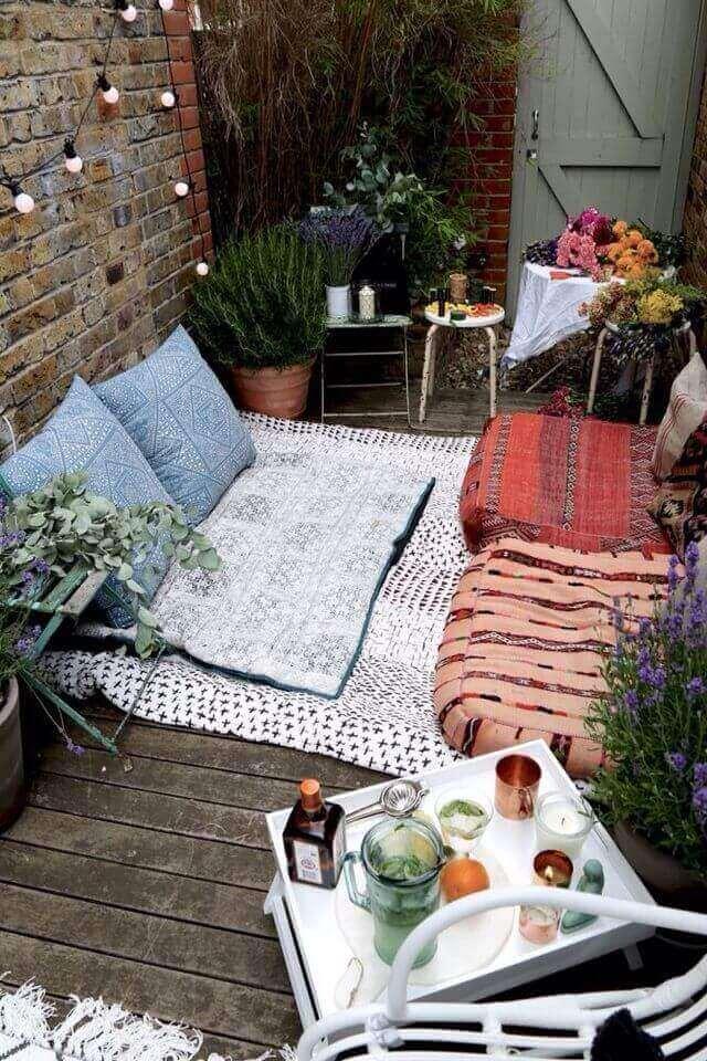 Kussens voor romantische tuin