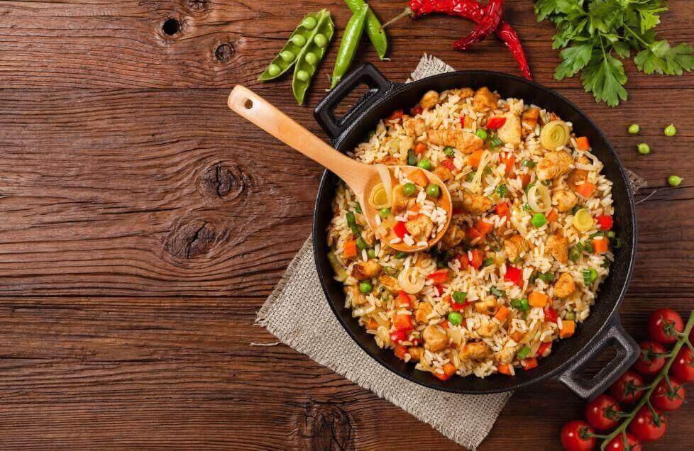 Recept voor verrukkelijke rijst met kip en groenten