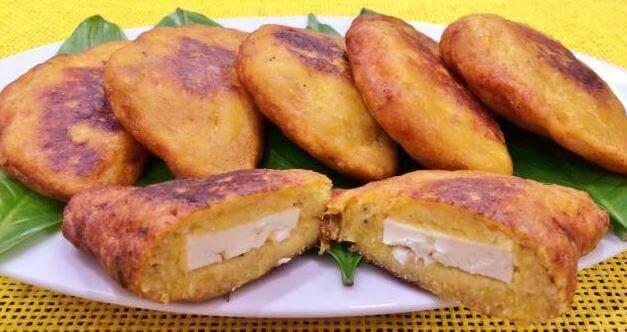 4 heerlijke manieren om geroosterde rijpe bakbananen te vullen