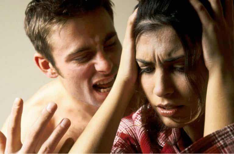 6 symptomen dat je een slachtoffer van verbaal geweld bent