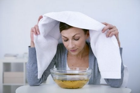 Puistjes op je neus behandelen met stoom