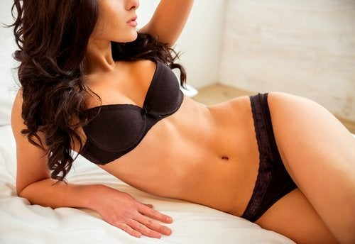 Strak lichaam met vrouwelijke rondingen