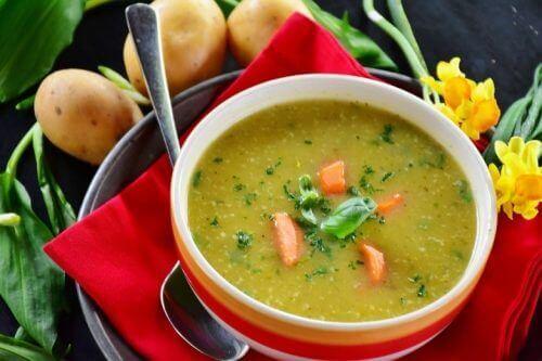 Pittige soep met groente
