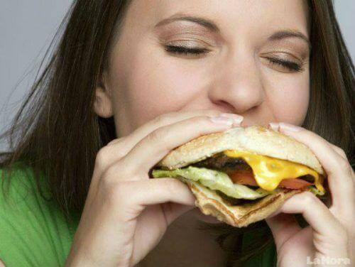 Door hoe je eet kan het dat je huid er veel ouder uit gaat zien