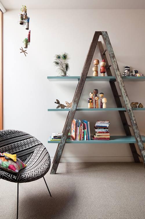 Gerecyclede meubels met een ladder