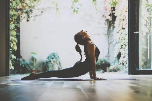 Yoga-oefeningen die niet helpen gewicht te verliezen