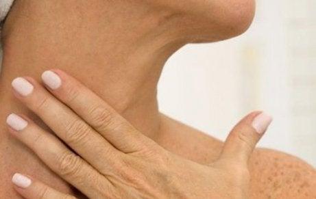 Hydrateer de huid van je hals