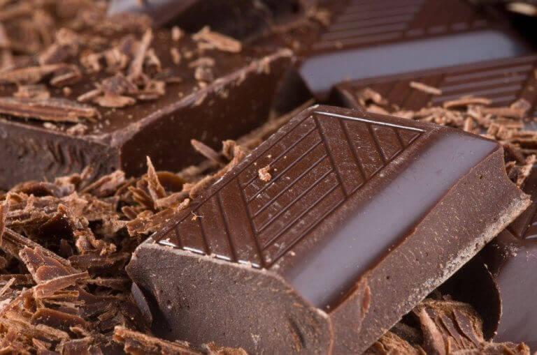 Je humeur verbeteren met bittere chocolade