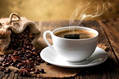 Koffie onttrekt vocht aan je lichaam