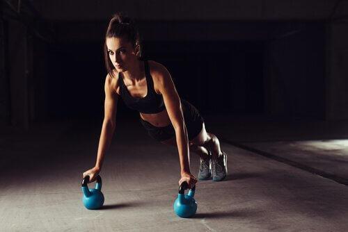 CrossFit oefeningen die niet helpen gewicht te verliezen