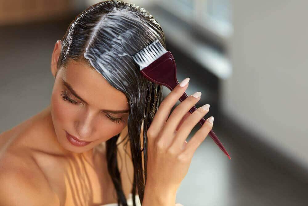 Deze haarverzorgingsbehandeling herstelt je haar snel