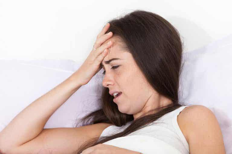 4 oorzaken van hoofdpijn in de ochtend